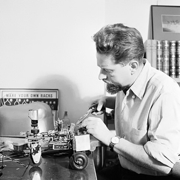 timeline_ai-robotics_1950-elsie_greywalter