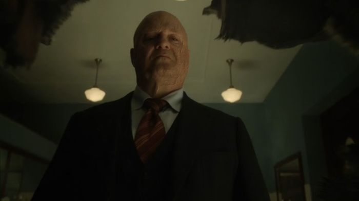 gotham_s03e08_blood_rush_barnes_hole_in_wall
