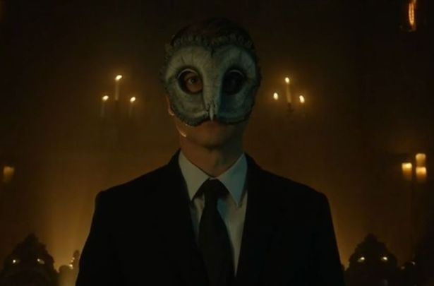 Gotham_S03E17_The_Primal_Riddle_Jim_Gordon_Mask-850x560